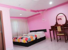 OYO 89815 Cucu Cucu Village Chalet,瓜埠的飯店