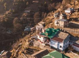 NotOnMap - Barahbeesh Villa, homestay in Shimla