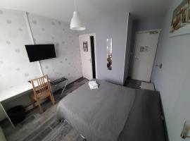 Hotel Le Cormier 9, hôtel à Cholet