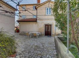 Apartmani Branko Rukonic, hotel in Nerezine