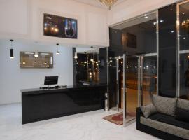 Hotel Biarritz, hotel in Tangier