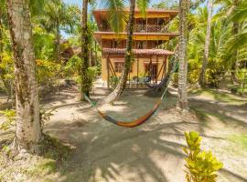 Tierra Verde Bed & Breakfast, hotel in Bocas Town