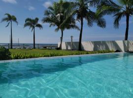 Brizo Hotel and Beach Resort Bataan, hotel in Morong