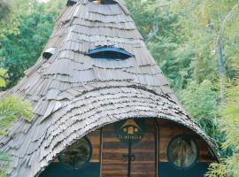 Igabara Hobbit House, hotel in Tangalle