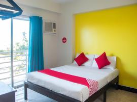 OYO 543 Negrense Suites, hotel in Bacolod