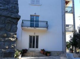 Apartments Bonaparte, apartment in Vela Luka