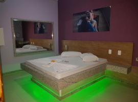 VALE NIGHT MOTEL, hotel in Resende