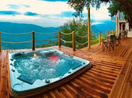 AlmondHouse Suites with Fireplace - ADULTS ONLY, apartment in Arachova