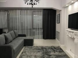 Посуточные апартаменты на Жарокова 137/1, hotel in Almaty