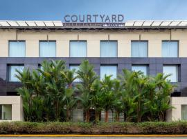 Courtyard by Marriott Kochi Airport, hotel in Nedumbassery