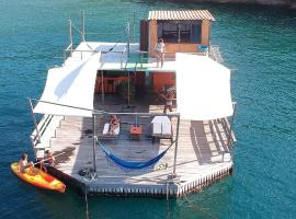 Casa Flutuante Ilha Grande RJ, hotel near Proveta, Praia do Bananal
