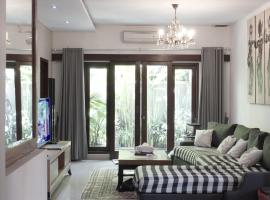 Saka Umah 2 Bedroom with private pool, hotel in Denpasar
