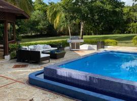 Villa Luz, hotel in La Romana