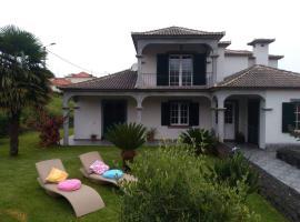 Casa da Ladeira, hotel in Santana