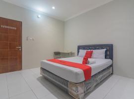 RedDoorz Plus @ Bukit Cinta Street, hotel near Sultan Aji Muhammad Sulaiman International Airport - BPN,