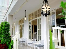 Victoria Boutique Residence, hotel in Malang