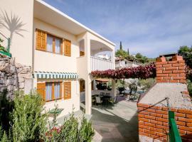 Apartments by the sea Cove Ljubljeva, Trogir - 18052, hotel in Vinišće