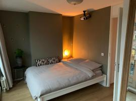 Luxury and Spacious Suite @Vondelpark, homestay in Amsterdam