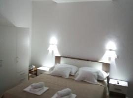 Studio apartman Marela 2+2, Hotel in Tučepi