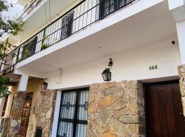 casa céntrica - zona residencial, villa en Salta