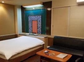 Hotel GOLF Yokohama (Adult Only), hotel near Nissan Stadium, Yokohama