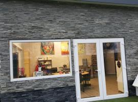 B&B LANGENBERG - DAVID HUMEWEG 9 - 1349 DA - ALMERE OOSTERWOLD -, hotel in Almere