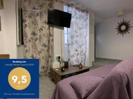 Old Town - Porta Remounda Apartment, pet-friendly hotel in Corfu Town