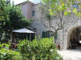 Villaconte Luxury Apartments, pet-friendly hotel in Spetses