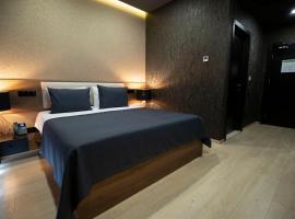 Snow Rooms Hotel, отель в Гудаури