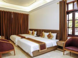 Van Xuan Royal Hotel, hôtel à Ninh Binh