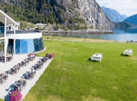 Valldal Fjordhotell - by Classic Norway Hotels, hotel near Trollstigen, Valldal