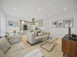 Stylish Apartments near Central London FREE WIFI, hotel in London
