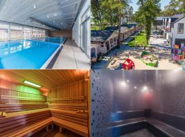 Family-Holiday Spa&Resort, hotel with jacuzzis in Dziwnówek