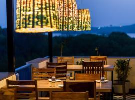 Casa Blanca Lakecity, hotel in Udaipur