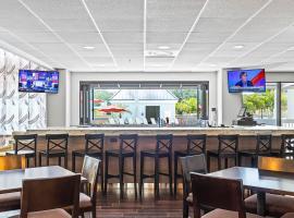Holiday Inn - St. Petersburg West, hotel near Treasure Island Golf Tennis Recreation Center, St Petersburg
