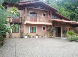 Casa Pico Alto, hotel with pools in Guaramiranga