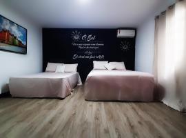 Flat Suíte em Balneário Camboriú, guest house in Balneário Camboriú