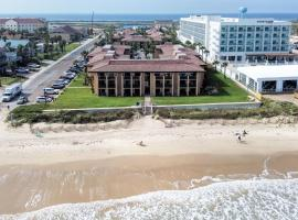 Tiki 133 - Just steps from the beach, hotel cerca de South Padre Island Birding and Nature Center, South Padre Island