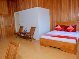 OYO 1278 Wina Beach Hotel, отель в городе Палу