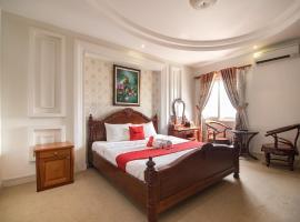 RedDoorz Plus near Suoi Tien Theme Park 2, hotel near Giang Dien Waterfall Tourist Site, Long Bình
