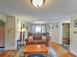 Alluring 3BR South Yarmouth Home Near Beaches!, hotel in South Yarmouth