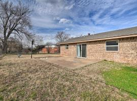 Metro Home - 2 Mi to Tinker Air Force Base!, vacation rental in Oklahoma City