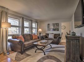 Quaint Family Home, 4 Mi to Dtwn Greensboro!, vacation rental in Greensboro