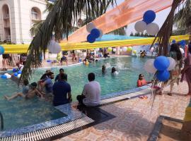 LA PLATINA PREMIUM SUITES, near PURI SEA BEACH, hotel with jacuzzis in Puri