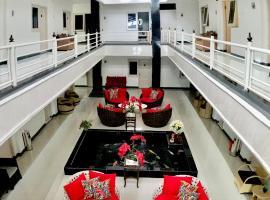 Gading Guest House, hostel in Mataram