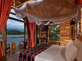 Lak Tented Camp, family hotel in Lien Son