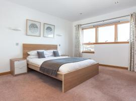 Executive Riverside 3 Bed Apartment, hotel in Aberdeen