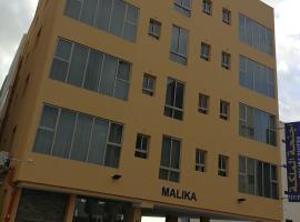 Malika Suites, hotel near Wahooo! Waterpark, Karbābād