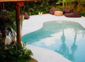Pousada Jardim do vento, hotel with pools in Icaraí