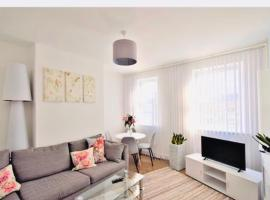 Super location 1min from metro 10min from Camden, apartamento em Londres